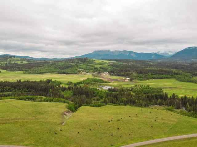 Gladstone Valley Rd in None Rural Pincher Creek M.D. MLS® #C4305918