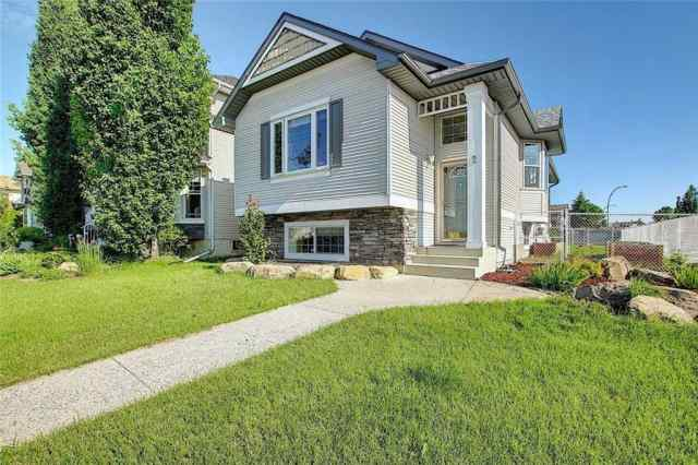 2 Cramond CR Se in Cranston Calgary