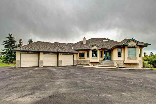 16 Escarpment Pl in Springbank Rural Rocky View County MLS® #C4305981