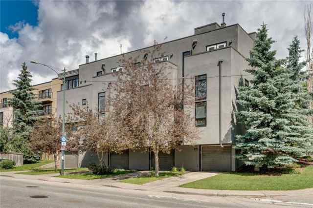 1704 26 AV Sw in Bankview Calgary