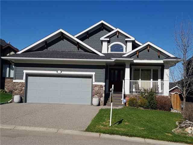 7 CRESTRIDGE PT SW in Crestmont Calgary