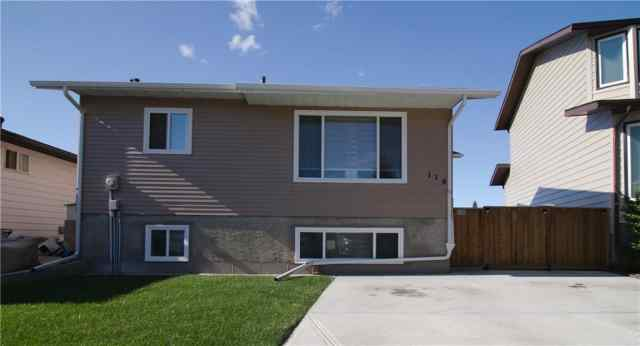 114 ELK Hill SE in Edgewater Airdrie