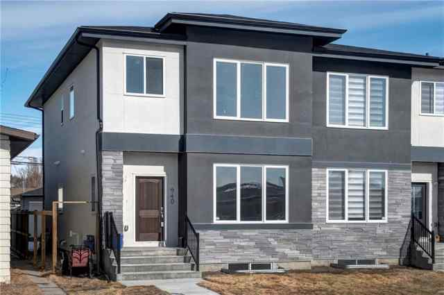7940 46 AV Nw in Bowness Calgary