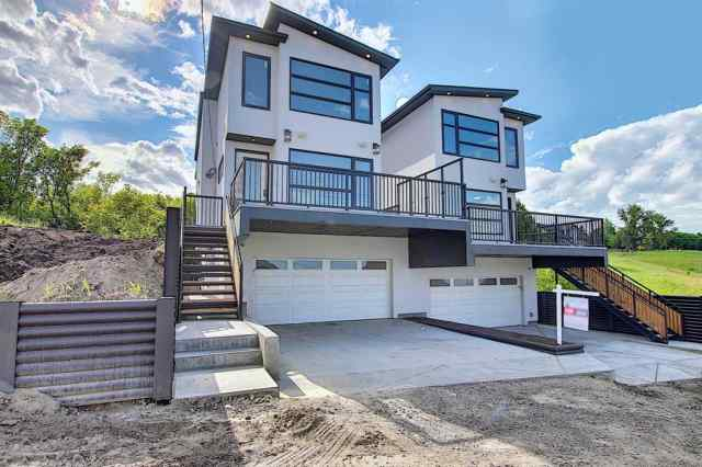 706 13 ST Ne in Renfrew Calgary