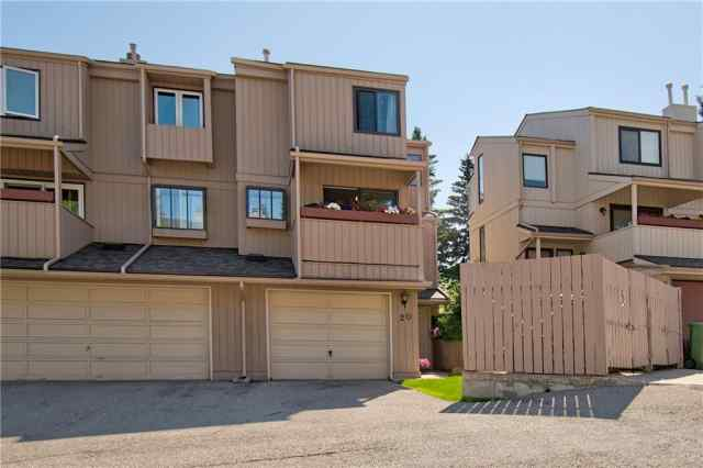#20 235 Berwick DR Nw in Beddington Heights Calgary