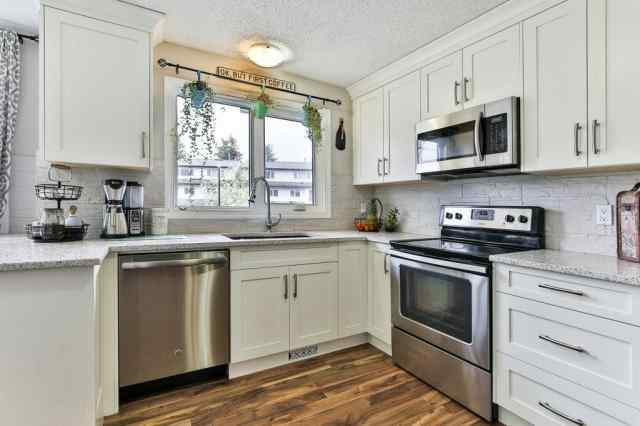 #83 1190 Ranchview RD Nw in Ranchlands Calgary