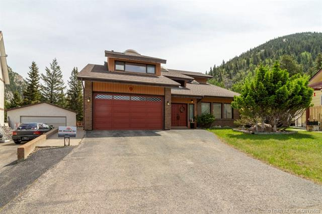 13566 15 Avenue  in  Blairmore MLS® #LD0139608