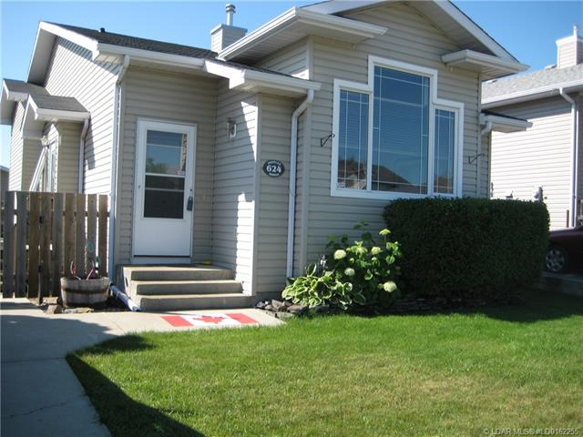 624 51 Avenue  in  Coalhurst MLS® #LD0162255