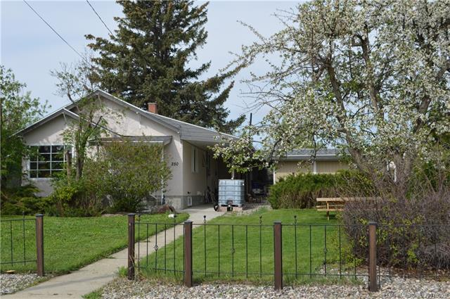 250S 1 Street  in  Magrath MLS® #LD0170926