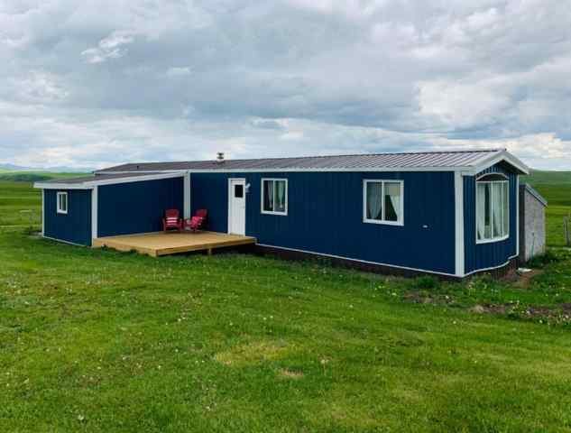 real estate 24020 RGE RD 260   in  Rural Cardston County