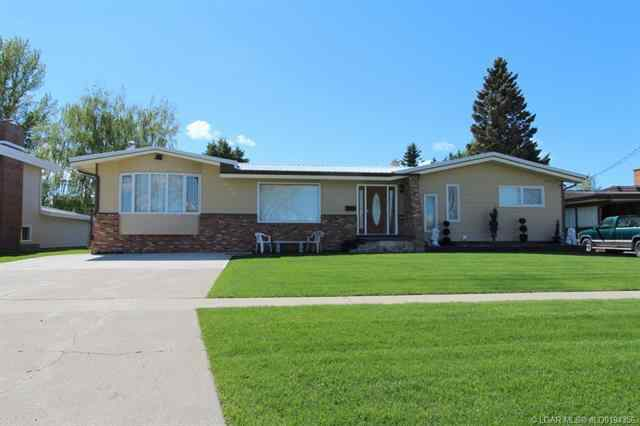 343 5 Street W in  Cardston