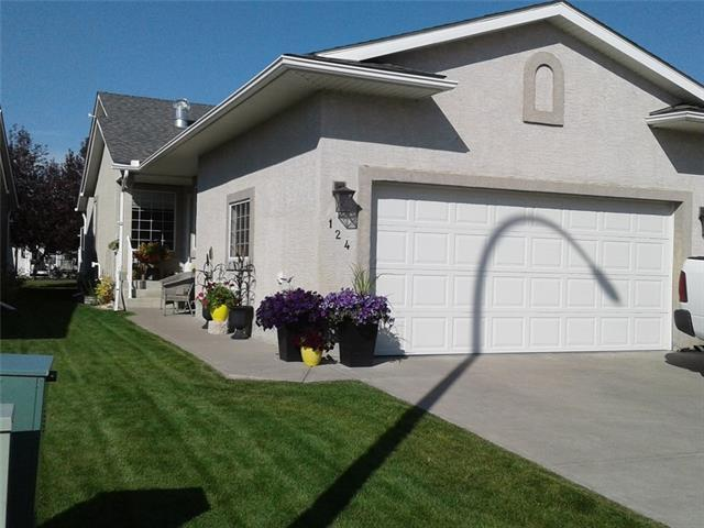 124 Riverside CR Nw, High River, Vista Mirage real estate, Attached Vista Mirage homes for sale