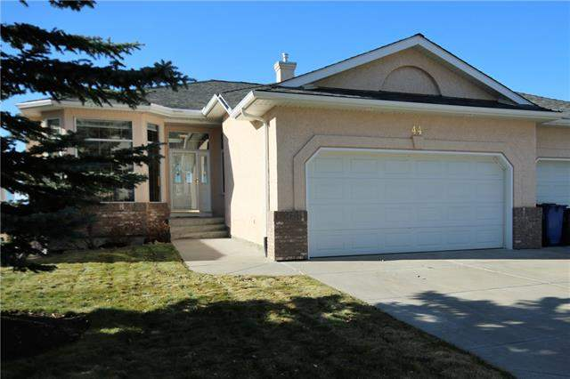 44 Eagleview Wy, Cochrane GlenEagles real estate, Attached GlenEagles homes for sale