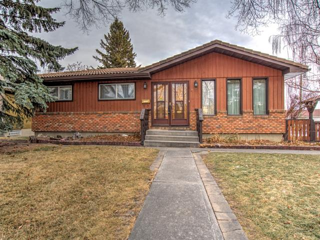 14 Rossburn CR Sw, Calgary, Rosscarrock real estate, Detached Rosscarrock homes for sale
