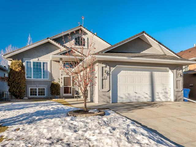 257 Lakeside Greens Cr in Lakeside Greens Chestermere MLS® #C4226589