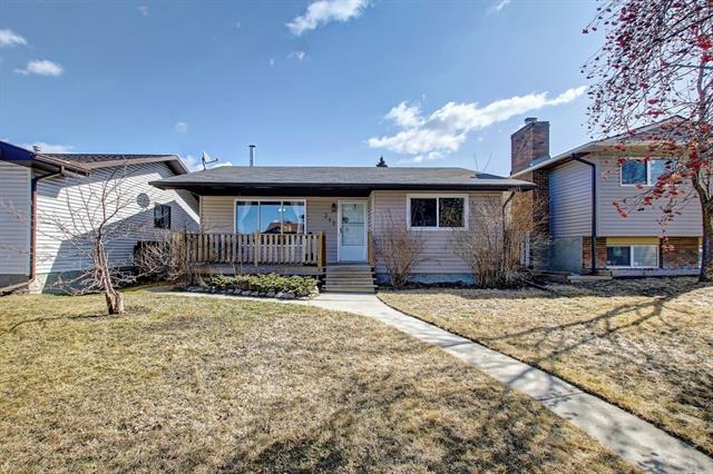 312 Pinegreen CL Ne in Pineridge Calgary MLS® #C4236862