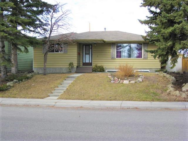 239 Queensland Ci Se in Queensland Calgary MLS® #C4238351
